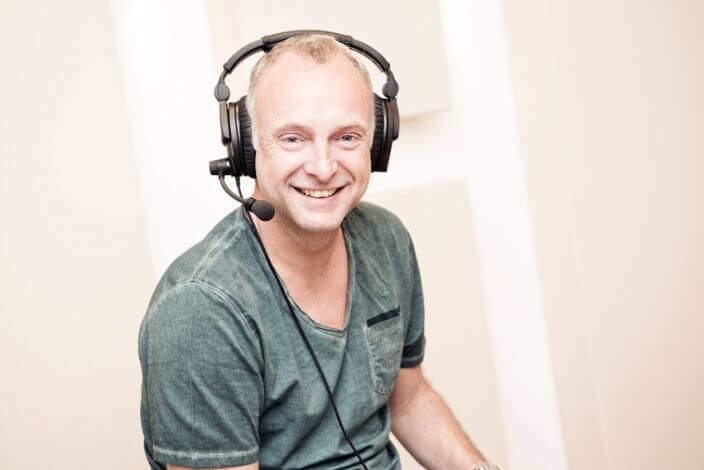"Frank Buschmann ""Buschi"" FIFA 16 Kommentator"